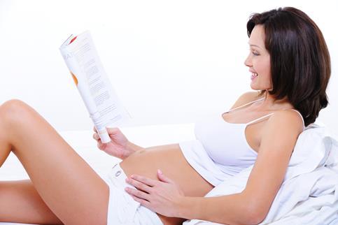 pregnant_lady_reading